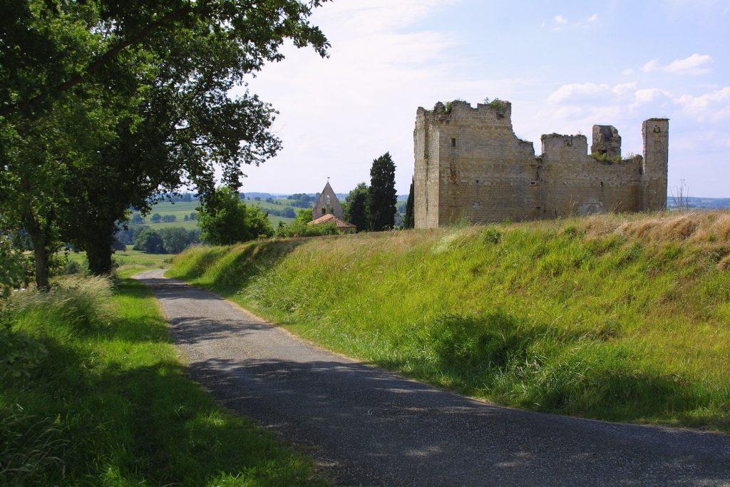 Ruine du château de Lagardère