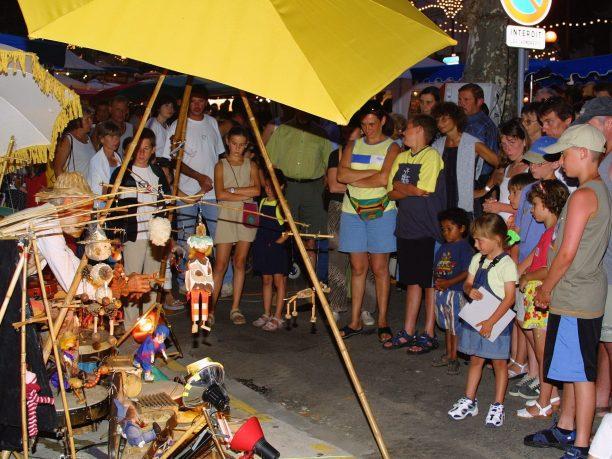 animation marché de nuit stand de marionnette pour enfant