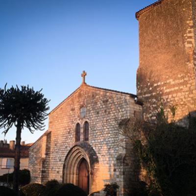 Vic-Jardin des Cordeliers-Coucher de soleil sur la Chapelle des Cordeliers